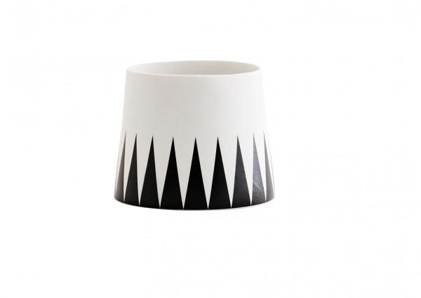 Teelicht PORCELAIN Black/White TRIANGLE Madam Stoltz