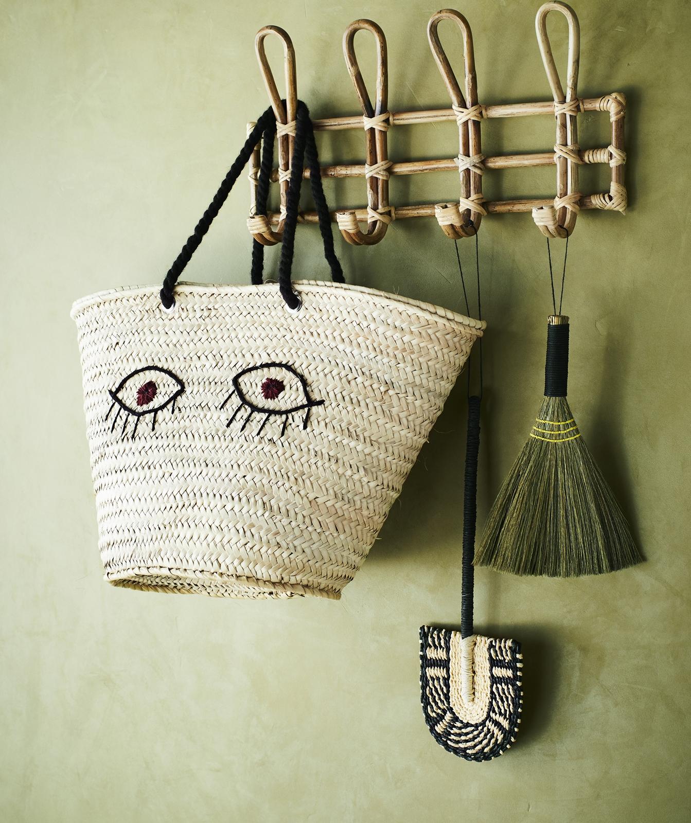 Madam-Stolz-Wall-Shelf-Garderober-Hakenleiste-Bamboo
