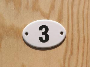 Emaille Schild Anhänger Plakette No. 3